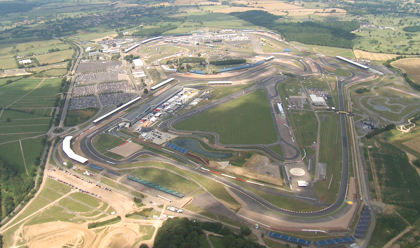 Circuito Silverstone : F tornello drs en curva en silverstone