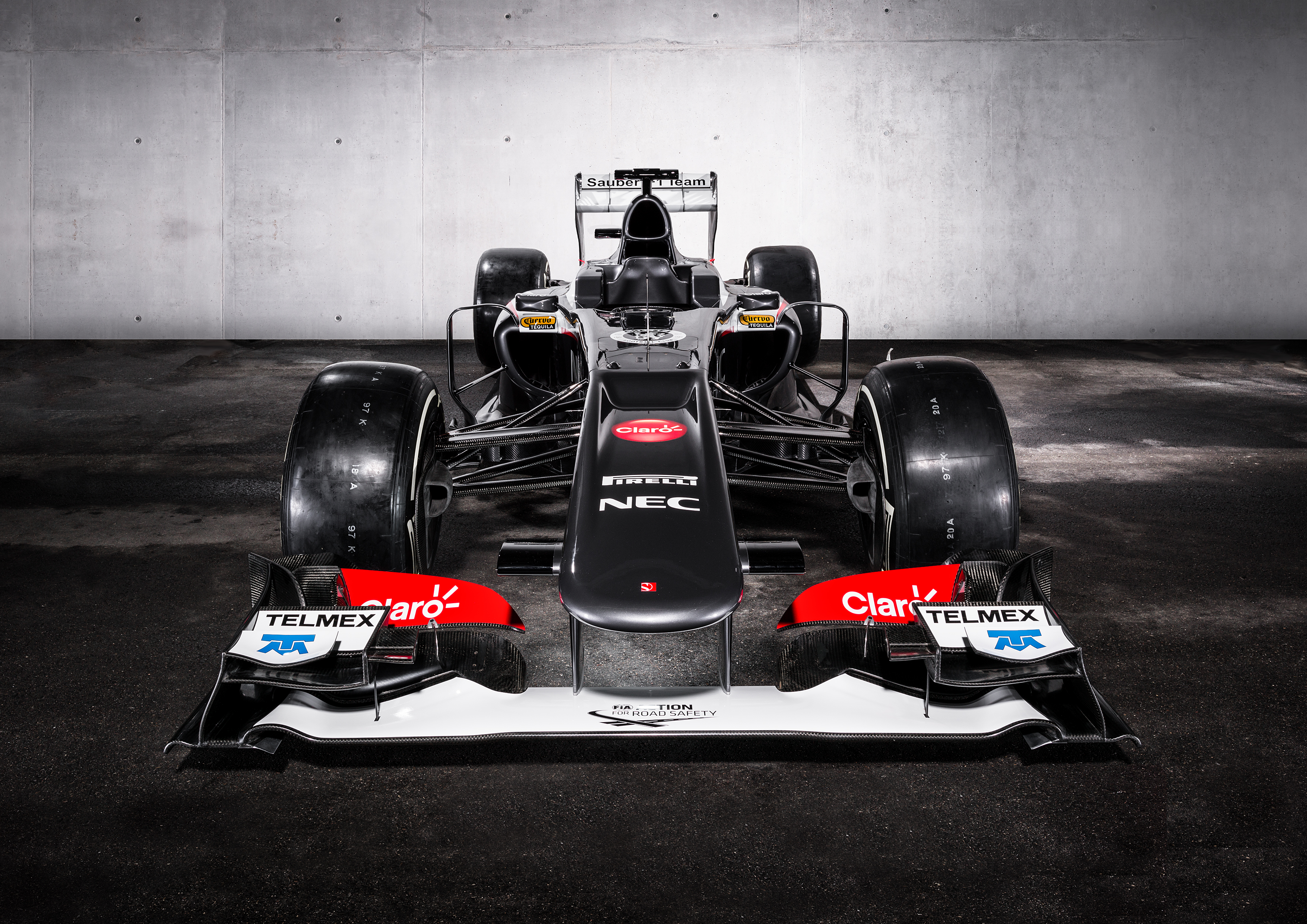 F1: Pictures Of The New Sauber F1 Car